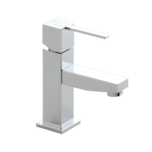 Single Hole Brass Bathroom Faucet In Chrome Finish
