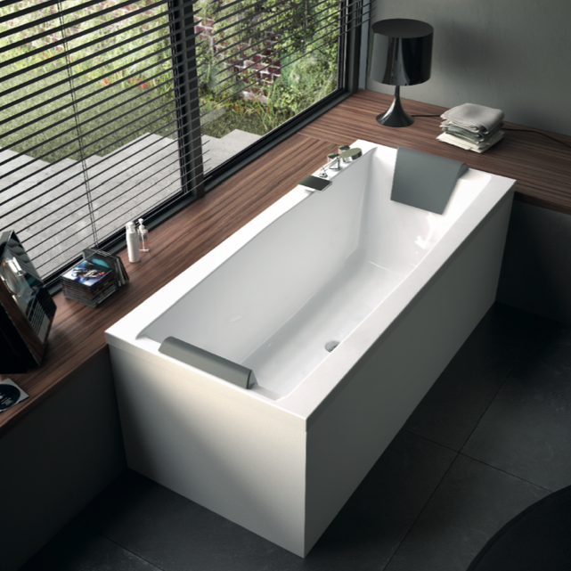 Delicieux Bathtub, Glass PP000A0 2, White Rectangular Corner Bathtub With 2 Panels