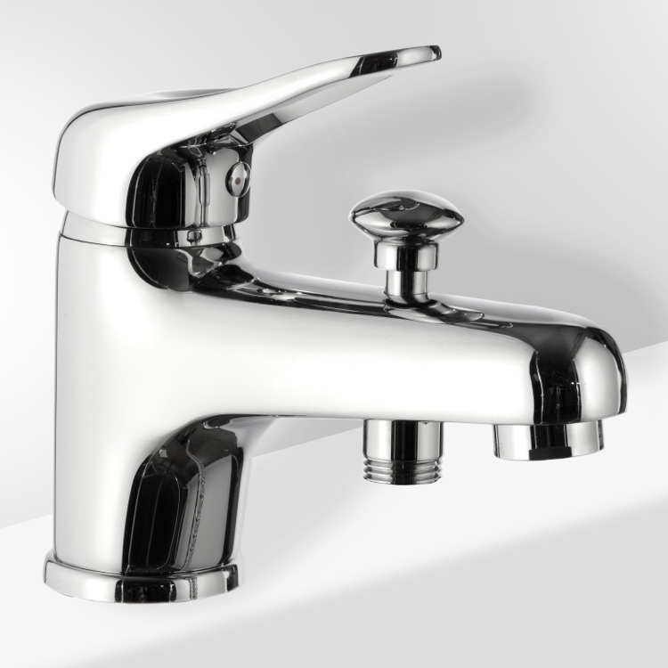 Chrome Bathtub Faucet With Diverter