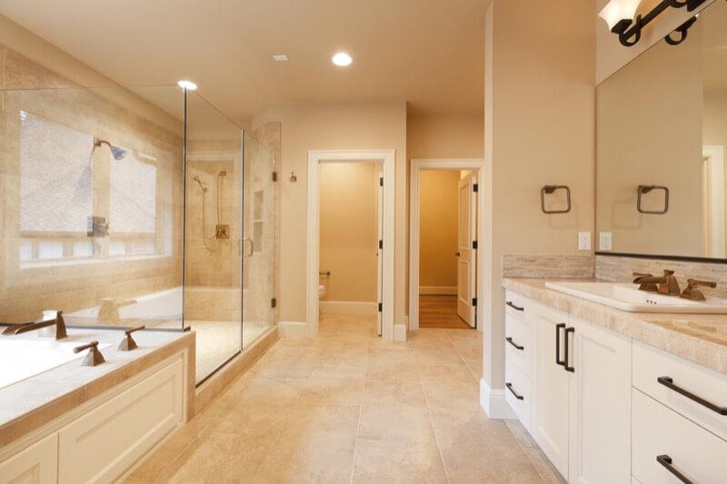 Most Popular Bathroom Colors And Combinations Thebathoutlet Com