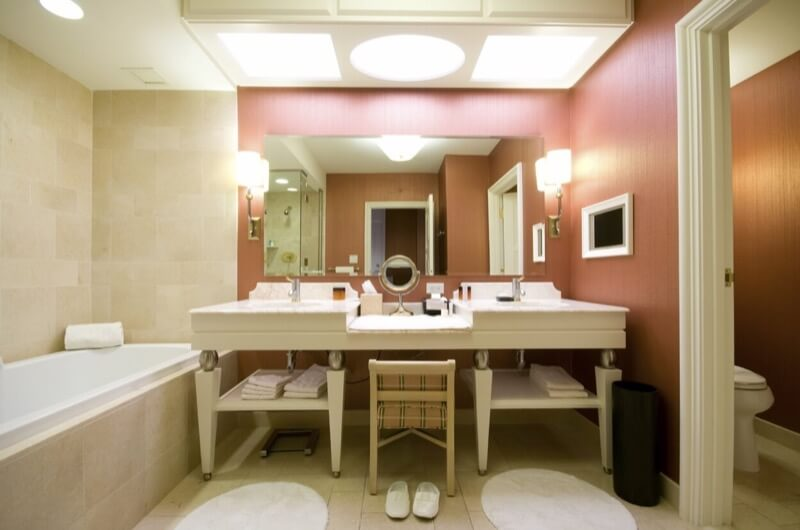 How To Include a Makeup Counter in Your Bathroom