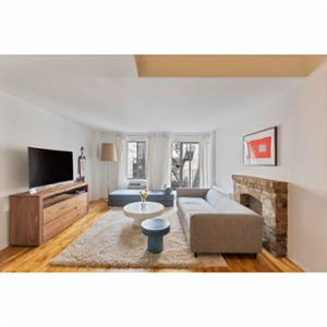 Thistle Beauregarde LLC Manhattan Bachelor Pad
